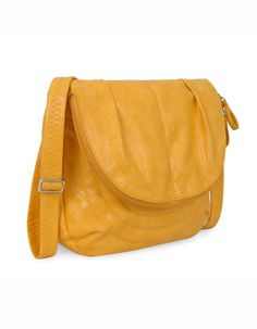 Baggit: Voodoo Power Yellow- Rs. 2,125   Buy now at: http://tiny.cc/b70ifx