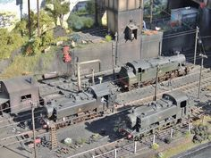 My Micro layout out in the sun Ho Trains, Model Trains, Model Railway Track Plans, Rail Transport, Electric Train, Model Train Layouts, Train Set, Steam Locomotive, Rc Model