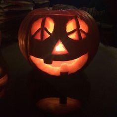 ☮ Peace Symbol ☮ Jack o Lantern Halloween Gifts, Holidays Halloween, Halloween Pumpkins, Halloween Decorations, Happy Halloween, Halloween 2018, Halloween Stuff, Halloween Ideas, Halloween Cocktails