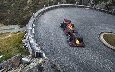 Sebastien Buemi brøler Red Bulls F1-racer opad Tremola-passet i Schweiz