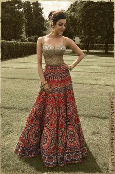 Glam Outfit Ideas for Indian Bridesmaids for every Ceremony Indian Wedding Outfits, Bridal Outfits, Indian Outfits, Bridal Dresses, Indian Lehenga, Lehenga Choli, Lehenga Designs, Indian Attire, Indian Wear