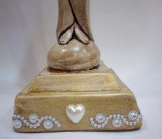 Ateliê Le Mimo: RELIGIOSO Nossa Senhora Mãe do Mundo - peça em gesso - detalhe da base