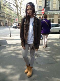 ZARA Manteau, blouson - ZARA Jean - BORN X RAISED Top, t-shirt, débardeur - TIMBERLAND Baskets, sneakers #women #mode #look #streetstyle http://moodlook.com/look/2014-04-19-france-paris-26