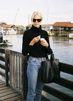 """""""my go-to people for fashion inspo (thread)"""" Minimal Outfit, Minimal Fashion, Skandinavian Fashion, Style Personnel, Scandi Style, Scandinavian Style Fashion, Over 50 Womens Fashion, Net Fashion, Daily Fashion"""