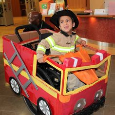 Faaris Kutty's DIY costume was a show-stopper at the Holland Bloorview's 2012 Halloween parade. wheelchair friendly costumes