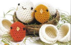 Chick and Eggshell -Free Amigurumi Pattern ( click picture to enlarge English Pattern)
