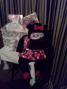 Minnie Mouse Pamper Cake made for my cousins baby shower ;) hope she likes