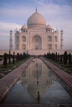 symmetry in the Taj Mahal and the pool