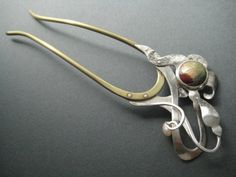 Nouveau-styled hairpin