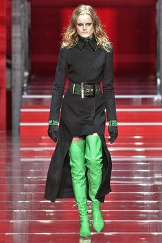 Pin for Later: Die 12 größten Mode-Trends in diesem Herbst  Versace…