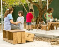 You can learn just as much outdoors as indoors and maybe more! Furniture to support outdoor learning from Community Playthings. Preschool Playground, Indoor Playground, Preschool Classroom, Playground Ideas, Natural Play Spaces, Outdoor Play Spaces, Outdoor School, Outdoor Classroom, Good Environment