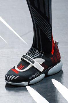 Sneakers Fashion Outfits, Prada Sneakers, Prada Shoes, Fashion Shoes, Mens Fashion, Valentino Shoes, Fashion Killa, High Fashion, Kids Sneakers