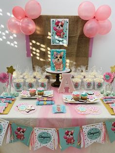 Mesa dulce temática Simones Birthday Cake, Desserts, Food, Candy Buffet, Candy Stations, Cakes With Fondant, Tailgate Desserts, Deserts, Birthday Cakes