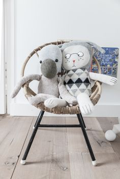 There are houses that are an example of good taste and the lastest trends which are combined in a lovely way. Here we come to show you every corner of those inspiring spaces for kids like this room and the play area, both spaces decorated according to the nice Nordic style. We're totally in love […]