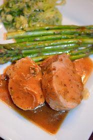 Lili popotte: Filet de porc sauce à l'orange Pork Recipes, Crockpot Recipes, Vegan Recipes, Recipies, Pork Tenderloin Marinade, Cuisine Diverse, Vegan Sushi, One Pot Dishes, Vegan Smoothies