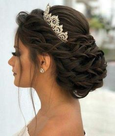crown for quinceanera ~ crown for quinceanera . crown for quinceanera gold . crown for quinceanera silver . crown for quinceanera princesses Sweet 16 Hairstyles, Quince Hairstyles, Box Braids Hairstyles, Bride Hairstyles, Wedding Hairstyles With Crown, Diy Wedding Hair, Natural Wedding Makeup, Updo With Headband, Quinceanera Hairstyles