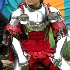 I just quite like the look of this setup, though more likey than not would be pricey.    15th century armour