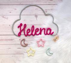 Helena ☁️⭐️🌙😍💕 . . . . . ▫️orçamentos e encomendas enviar direct ou WhatsApp ▫️como é feito a mão uma a uma com muito carinho, o tempo de… Girl Decor, Baby Decor, Baby Crafts, Diy And Crafts, Crafty Projects, Projects To Try, Crochet Letters, Spool Knitting, Rope Art