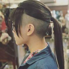 Shaved Undercut, Undercut Long Hair, Undercut Women, Undercut Hairstyles, Shaved Hair, Undercut Ponytail, Popular Hairstyles, Cool Hairstyles, Short Hair