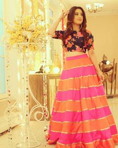 ❤ Very nice dress Pakistani Dresses, Indian Dresses, Indian Outfits, Western Dresses, Wedding Dresses For Girls, Girls Dresses, Fashion Clothes, Fashion Dresses, Indian Party Wear