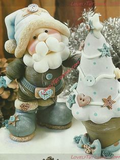 Trendy cake christmas decoration fondant how to make Ideas Christmas Cake Topper, Christmas Cake Decorations, Christmas Crafts, Santa Christmas, Fimo Clay, Polymer Clay Projects, Making Fondant, Polymer Clay Christmas, Clay Baby