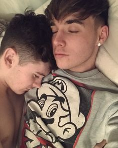 Babies are sleeping😍😘😗🙃 Lgbt Couples, Cute Gay Couples, Couples In Love, Love Couple, Tumblr Gay, Tumblr Couples, Real Love, Same Love, Rye Beaumont