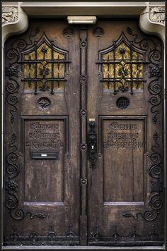 Knochenjäger de Türen