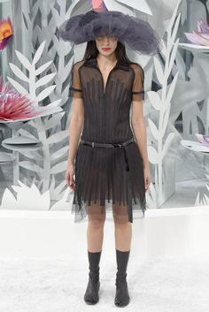 Chanel Couture Spring 2015 - Slideshow - Runway, Fashion Week, Fashion Shows, Reviews and Fashion Images - WWD.com