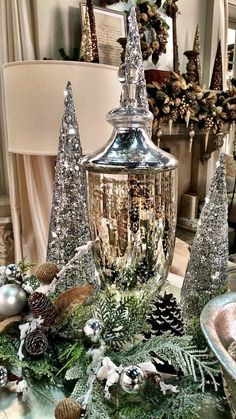Some of My Favorite Holiday Decor - A Lisa Robertson Christmas Starts Friday! Some of My Favorite Holiday Decor - A Lisa Robertson Christmas Starts Friday! Christmas Table Settings, Christmas Tablescapes, Christmas Mantels, Christmas Table Decorations, Decoration Table, Centerpiece Ideas, Coffee Table Christmas Decor, Holiday Tables, Silver Christmas