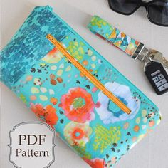 The free PDF pattern for the #poppyclutch is now on the blog as part of the Flora by @kellyventuradesign for @windhamfabrics blog hop! Enjoy! #florafabric #tinygeesekeychain pattern by @michaelannn