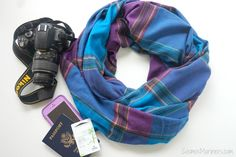 Leave the money belt behind and take a travel scarf with a secret pocket instead! It's the perfect accessory for any traveler. Photography Camera, Travel Photography, Travel Accessories, Fashion Accessories, How To Look Pretty, Must Haves, Traveling By Yourself, Improve Yourself, Purses