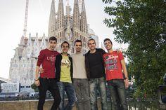 En Rainbow Barcelona nos aseguramos que tus vacaciones en esta preciosa ciudad sean inolvidables!  All our team will make sure that your holidays in Barcelona are an unforgettable experience!