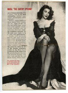 Magazine clip from 1953 where Mara Corday was signed to play Elizabeth Short, the Black Dahlia. Golden Age Of Hollywood, Hollywood Stars, Classic Hollywood, 1950s Movie Stars, Murder Stories, Tales From The Crypt, Black Dahlia, Best Actress, Timeless Beauty