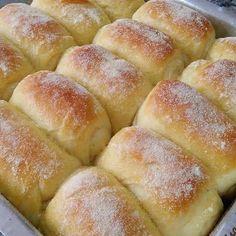 Bread recipes rustic dinners New ideas Love Eat, Love Food, Cheese Recipes, Bread Recipes, Sweet Recipes, Healthy Recipes, Croissant Recipe, Baked Rolls, Portuguese Recipes