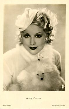 """Anny Ondra: Czech Film Star Appeared in Alfred Hitchcock's, """"Blackmail and """"The Manxman Old Hollywood Glamour, Vintage Hollywood, Classic Hollywood, Vintage Photographs, Vintage Photos, Leila Hyams, Ronald Colman, Star Wars, Photo Makeup"""