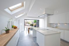 Hire interior designers and builders London for loft conversions and house extensions, such as side return kitchen extensions for Victorian terraced houses. Get an instant online quote and see how you can benefit from a side return extension.