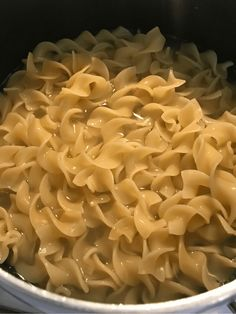 cooking the egg noodles for the ground turkey stroganoff Entree Recipes, Ww Recipes, Ground Turkey Stroganoff, Ground Turkey Casserole, Recipe Builder, Stroganoff Recipe, Turkey Dishes, Ground Turkey Recipes, How To Cook Eggs