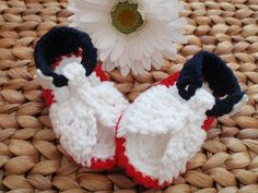 These Red, White & Blue handmade crochet Baby Sandals are a great way to show pride in the USA! Perfect for Memorial Day and the 4th of July, too!