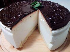 Сегодня выполняю первый заказ - делюсь с вами рецептом классического торта Птичье молоко по ГОСТу.