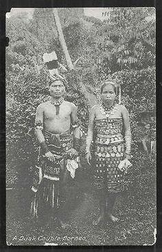 Dayak Couple Chief British North Borneo Malaysia ca 1910 Old Photos, Vintage Photos, Straits Settlements, Kuala Lumpur City, Grand Bazaar, Borneo, Around The Worlds, British, History