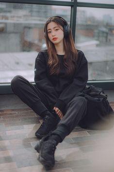 Modern Fashion Outfits, Kpop Fashion Outfits, Ulzzang Fashion, Korean Outfits, Korean Fashion, Girl Fashion, India Fashion, Japan Fashion, Korean Boys Ulzzang