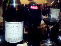 broadley vineyard pinot noir, oily texture, tropical flavour