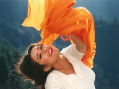 Retro Bollywood Mahira Khan, Back Photos, Madhuri Dixit, Cute Beauty, Aesthetic Photo, Indian Beauty, Bollywood Actress, Indian Actresses, Actors