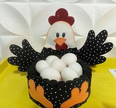 Easter Arts And Crafts, Diy And Crafts, Crafts For Kids, Sewing Crafts, Sewing Projects, Projects To Try, Craft Gifts, Diy Gifts, Chicken Pattern