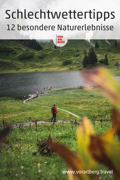 Wolken ziehen auf, ein Regenguss kündigt sich an. Es sind jene Momente und Orte, an die wir uns erinnern werden. Orte und Plätze in Vorarlberg, die bei widrigen Wetterverhältnissen außergewöhnliche Landschaftserlebnisse garantieren, haben wir hier zusammen gestellt. Praktisch ergänzt durch Spaziergänge und Wanderungen, die mit entsprechender Bekleidung auch bei Regen begehbar sind. #schlechtwetter #regen #myvorarlberg #visitvorarlberg Mountains, Nature, Travel, Rain Days, Walk In, Landscape Pictures, Weather, Clouds, Viajes