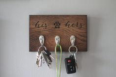 Personalized Wood Dog Leash Holder Rack Gift for Pet Lovers Key Holder Leash Holder Gifts For Pet Lovers, Dog Gifts, Dog Lovers, Dog Leash Holder, Wood Dog, Palette, Cute Gifts, Craft Projects, Wood Projects