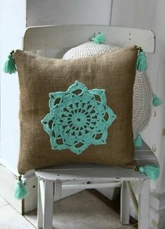 Diy Crochet Pillow, Crochet Cushion Cover, Crochet Cushions, Crochet Home, Free Crochet, Diy Pillows, Decorative Pillows, Throw Pillows, Yarn Crafts