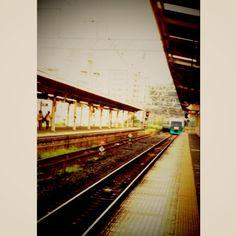 [熱海*2010/08/16]    バイバイ熱海( ; _ ; )/~~~    また来る日まで〜!    帰りの電車       @熱海