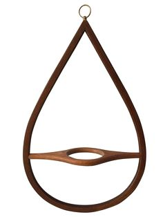 With its bold teardrop shape this Mid-century Modern stained wood planter is the perfect unexpected . Dyi Plant Stand, Modern Plant Stand, Plant Stands, Wood Planters, Hanging Planters, Hanging Baskets, Heather Plant, Floor Plants, House Plants