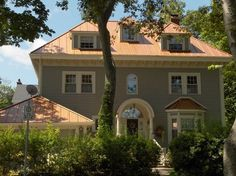 copper penny roof photos | THE STANDING SEAM METAL ROOF REALLY SUITS THIS HOUSE.THERE'S NOTHING ...